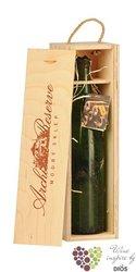 """Sauvignon """" Archivní víno """" 1985 z vinařství Modrý sklep    0.75 l"""