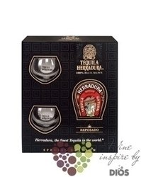"Herradura "" Reposado "" 2 glass gift pack The 100% of Blue agave Mexican tequila40% vol.   0.70 l"