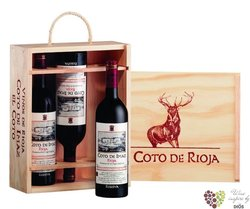 Wood box for 3 bottles 0.75 l from winery Bodegas El Coto de Rioja