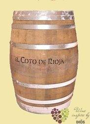 Wood barrique cask by Bodegas El Coto de Rioja