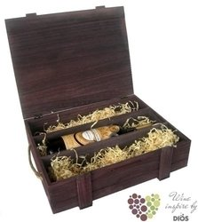 Wood box brown for 3 bottles with fillings