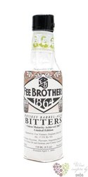 "Fee Brothers bitters "" Whiskey barrel aged "" coctail flavouring 17.5% vol.  0.150 l"