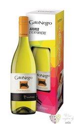 """Chardonnay """" Gato Negro """" 2015 gift box Chile Curico valley viňa San Pedro    0.75 l"""