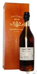 """André Petit & fils millésime 1975 """" Hors d´Age """" Grand Champagne Cognac 40% vol.  0.70 l"""