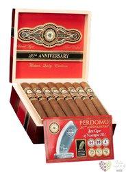 "Perdomo 20th Anniversary "" Robusto Sun Grown "" Nicaraguan cigars"