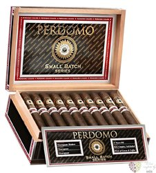 "Perdomo Reserve Small batch "" Belicoso Maduro "" Nicaraguan cigars"