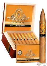 "Perdomo Reserve 10th Anniversary "" Torpedo Connecticut "" Nicaraguan cigars"