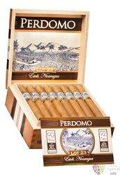 "Perdomo Lot 23 "" Toro Connecticut "" Nicaraguan cigars"