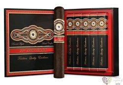 "Perdomo 20th Anniversary "" Epicure Maduro "" gift Set 5 ER Nicaraguan cigars"
