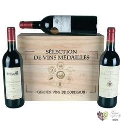 Les Medailles de Grand Bordeaux kolekce 3 vyjímečných lahví vína v dřevěném boxu   3 x 0.75 l