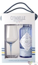 Citadelle premium glass set of French Dry gin 44% vol.  0.70 l