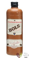 "Bols "" Zeer oude "" Dutch aged jenever 35% vol.    0.70 l"