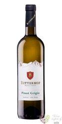 "Pinot grigio "" Classic "" 2017 Sudtirol - Alto Adige Doc cantina Ritterhof    0.75 l"