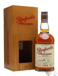"Glenfarclas 1966 "" Familly cask "" single malt Speyside whisky 50.5% vol.    0.70 l"