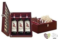 Gabbiano Chianti Docg special gift pack with chess    3 x 0.75 l