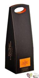 la Grande Dame blanc 1998 brut gift box Champagne Aoc by Veuve Clicquot Ponsardin   0.75 l