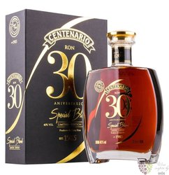 "Centenario "" Special blend of 30 anniversario "" unique Costa Rican rum 40% vol.0.70 l"