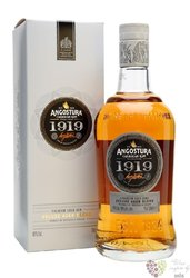 "Angostura "" 1919 deluxe aged blend "" rum of Trinidad & Tobago 40% vol.   0.70 l"