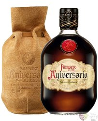 "Pampero "" Aniversario aňejo reserva exclusiva "" ledder rum of Venezuela 40% vol.  0.70 l"