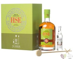 """HSE agricole vieux """" Elevé sous Bois """" gift set rum of Martinique42% vol.0.70 l"""