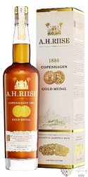 "A.H. Riise "" 1888 Copenhagen gold medal "" gift box rum of Virginia islands 40% vol.   0.70 l"