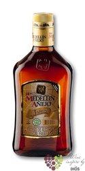 "Medellin "" Aňejo "" aged 3 years Colombian rum 37.5% vol.    1.00 l"