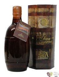 "Don Rhon "" Grand reserva "" aged 12 years rum of Dominican republic 37.5% vol.  0.70 l"