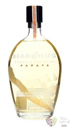 "Bear Hug "" Papaya "" flavored American tequila liqueur 21% vol.  1.00 l"