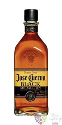 "José Cuervo "" Black aňejo Medallion "" oak barrel signature Mexican blend 38% vol.    0.70 l"