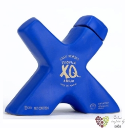"XQ "" Aňejo Grand Reserva "" 100% of Blue agave Mexican tequila 40% vol.    0.70 l"