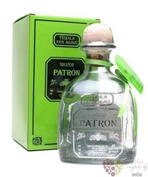"Patron "" Silver "" 100% of Blue agave Mexican tequila 40% vol.   0.70 l"