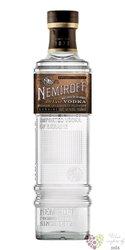 "Nemiroff de Luxe "" Rested in Barrel "" aged Ukraine vodka 40% vol.  1.00 l"