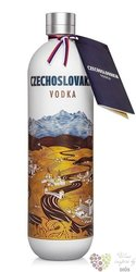 Czechoslovakia Slovak plain vodka by Karloff 40% vol.  0.70 l