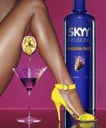 "Skyy "" Infusions Passion Fruits "" premium flavored vodka of San Francisco USA 37.5% vol.    0.70 l"