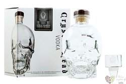 "Crystal Head "" Stopper set "" Canadian vodka by Henderson 40% vol.  0.70 l"