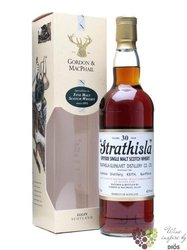 "Strathisla "" Distillery abels "" 30 years old Speyside whisky by Gordon & MacPhail 43% vol.   0.7"