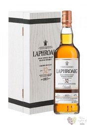 Laphroaig 32 years old single malt Islay whisky 46.6% vol.   0.70 l
