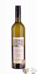 """cuvée """" Beton """" 2015 zemské víno vinařství Ing. František & Hana Mádlovi  0.75 l"""