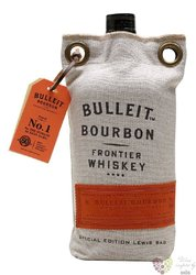 "Bulleit "" Frontier "" bag pack Kentucky straight bourbon whiskey 45% vol.  0.70 l"