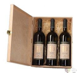 Dřevěná dárková kazeta na tři láhve vinařství Mikrosvín Mikulov